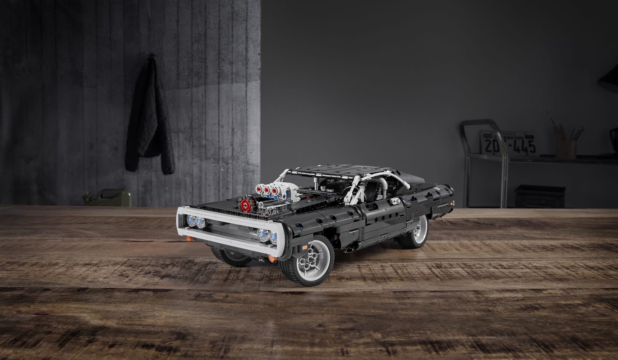مجموعة الليغو LEGO® Technic™ Dom's Dodge Charger