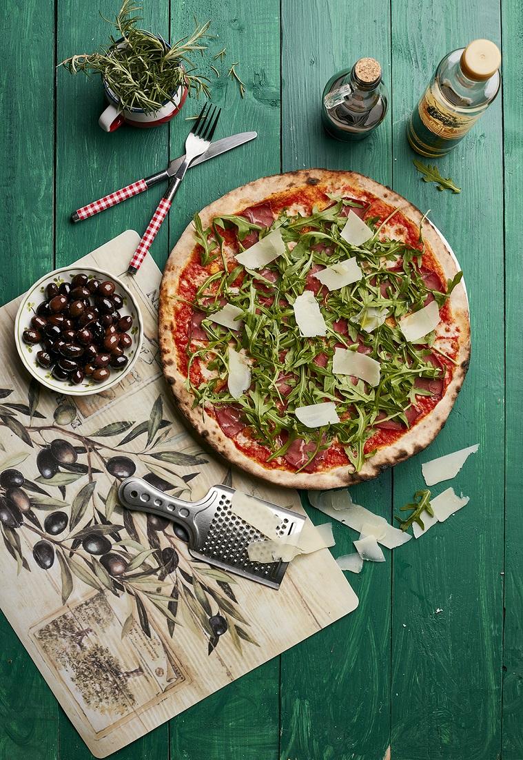 علامة 800 بيتزا الإيطالية