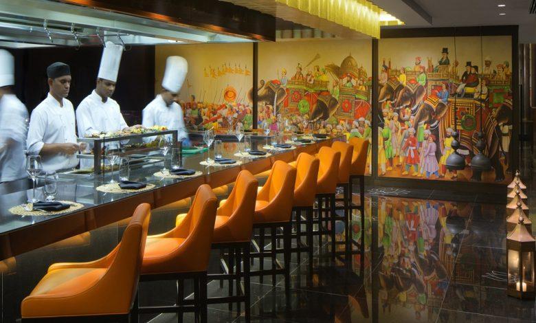 مطاعم أعادة إفتتاح أبوابها في الخليج التجاري دبي خلال أزمة كورونا العالمية