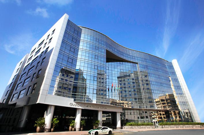فندق جراند كوزموبوليتان دبي يفتتح أبوابه رسمياً ويعلن عن عرضه للصيف 2020