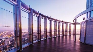 صورة برج خليفة يقدم تجربة يوغا فريدة على ارتفاع قياسي