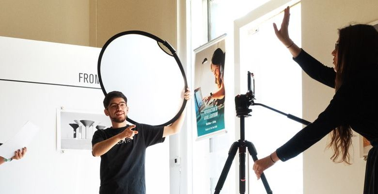 جلف فوتو بلس تنظم ورشة عمل حول التصوير بالهاتف الذكي