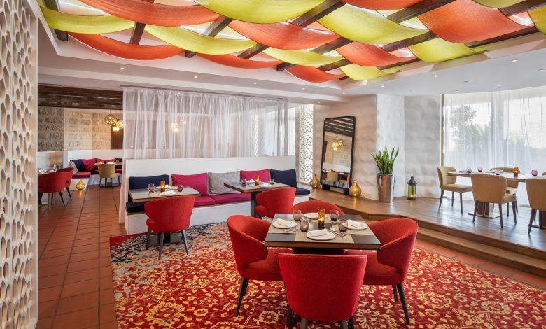 مطعم إيلورا من فيكاس خانا يفتتح أبوابه في فندق شاطئ جيه إيه