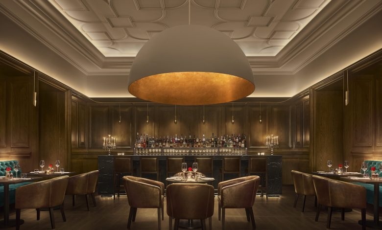فندق اديشن أبوظبي يعيد افتتاح مطعم أوك رووم