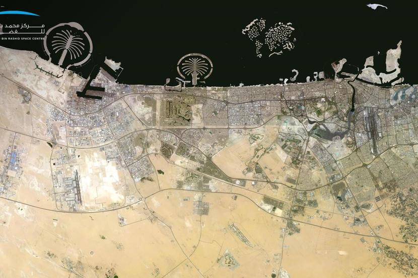 خريطة أبوظبي ودبي من الفضاء