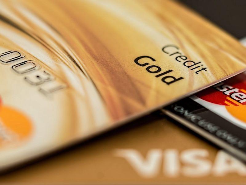 credit-card03_16ea654f181_original-ratio