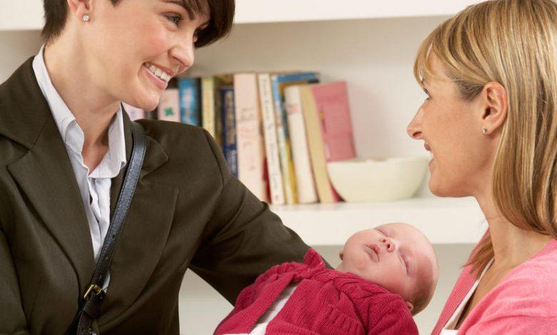 دليلك لتوظيف مربية لطفلك الجديد في الإمارات العربية المتحدة