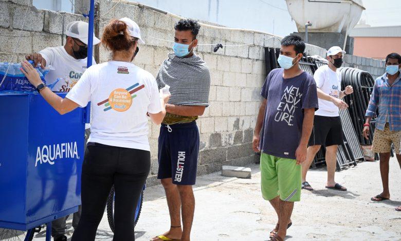 مبادرة برّد صيفهم لنشر البسمة بين العمّال في الإمارات