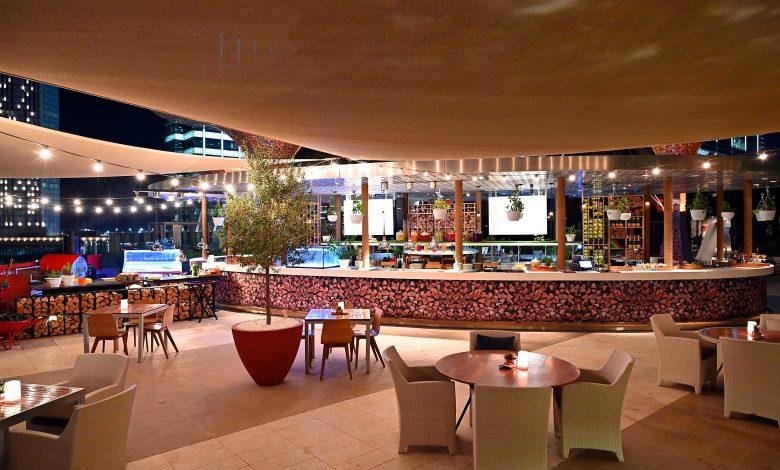 مطعم غلو بفندق روزوود أبوظبي ينظم أمسيات وود آند فاير 2020