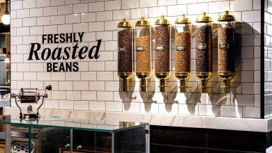 صورة علامة كافيه يونس الشهيرة تفتتح أول مقهى لها في دبي