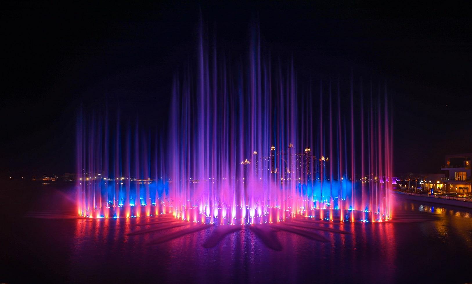 ذي بوينت تستعد للحصول على لقب غينيس لأكبر نافورة مياه في العالم