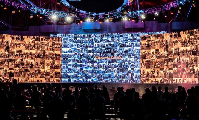 القرية العالمية تحقق رقم قياسي لأكبر عدد من مقاطع الفيديو ضمن فيديو موسيقي