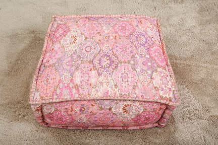 MANORAMA COTTON SQUARE POUF PINK (AED175)