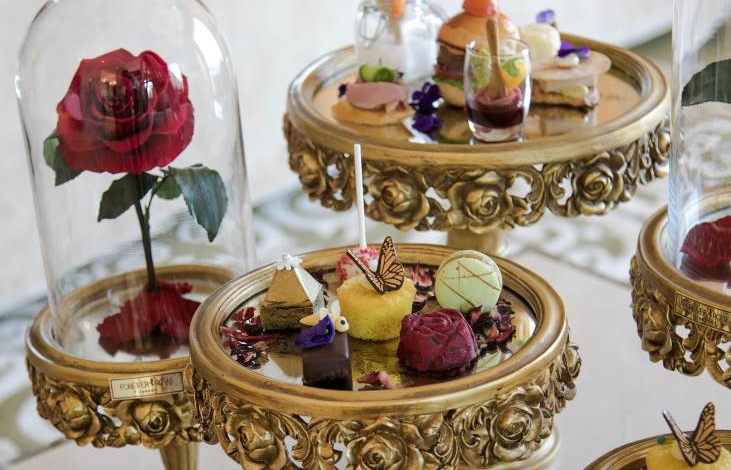 """صالون رافلز يقدم تجربة شاي ما بعد الظهيرة """"تشكيلة الكنوز العربية"""""""