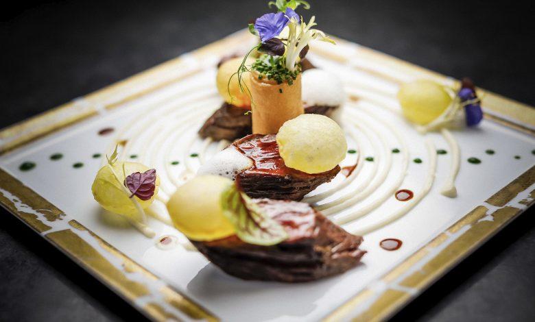 مطعم أتيليه دي جويل روبوشون يفتتح ترّاسه الخارجي المذهل