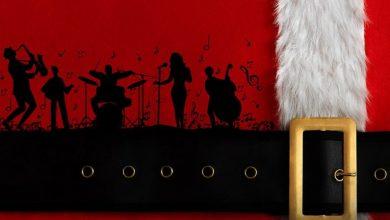 صورة عرض سانتا بايبي لفرقة أن أس أو بيغ باند في دبي خلال موسم الأعياد 2020