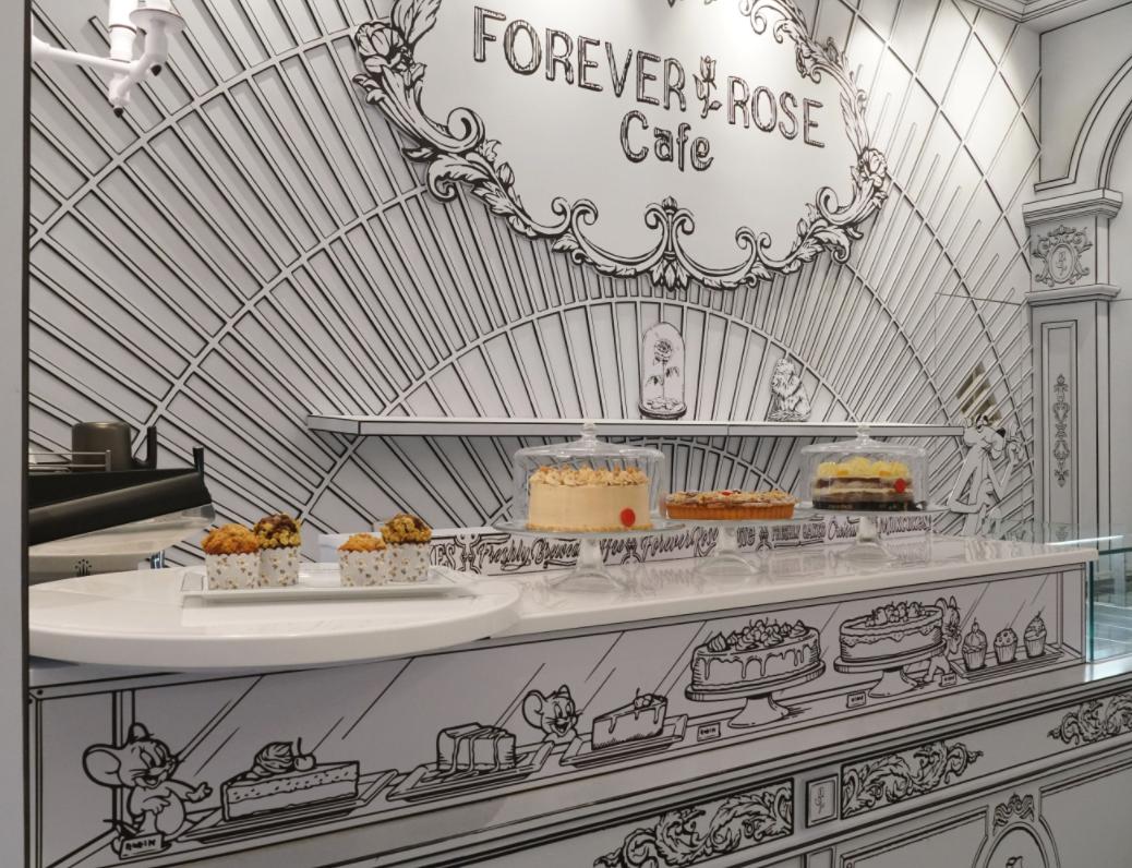 مقهى Forever Rose