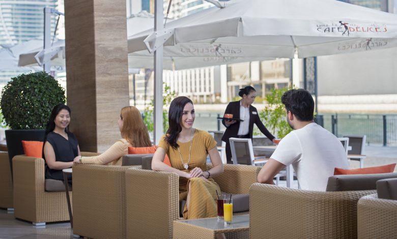 مقهى كافيه ديليس دبي