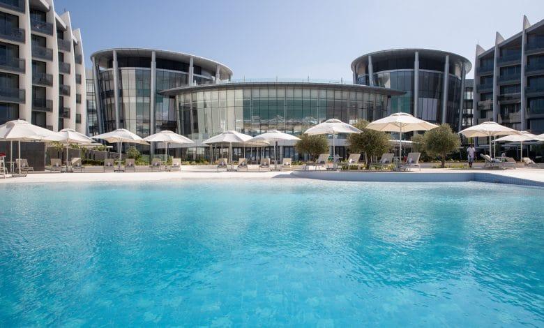 High_resolution_300dpi-Jumeirah at Saadiyat Island Resort – Pool View