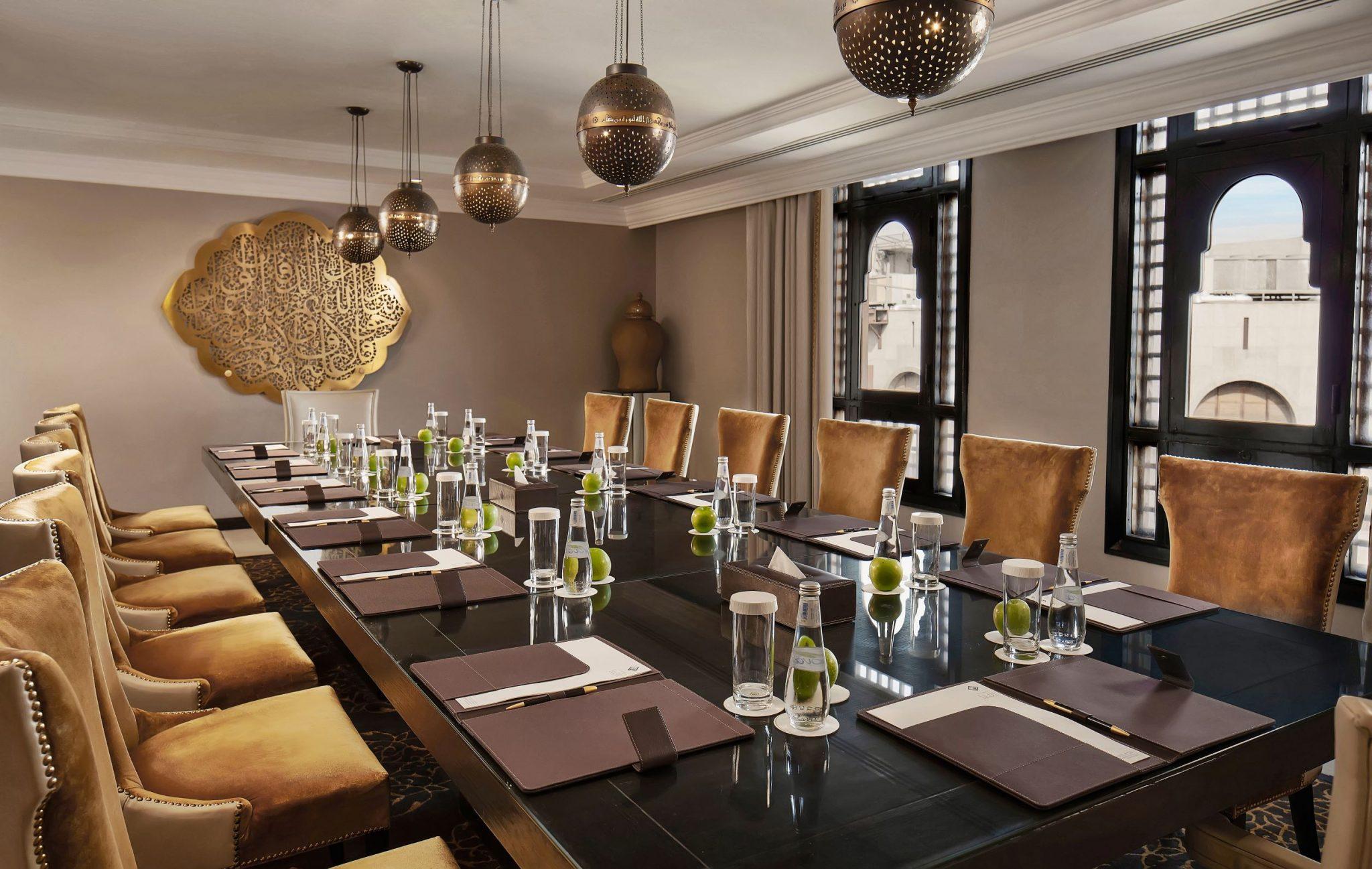 فندق شذا المدينة يحصد جائزة أفضل فندق فاخر في المدينة المنورة