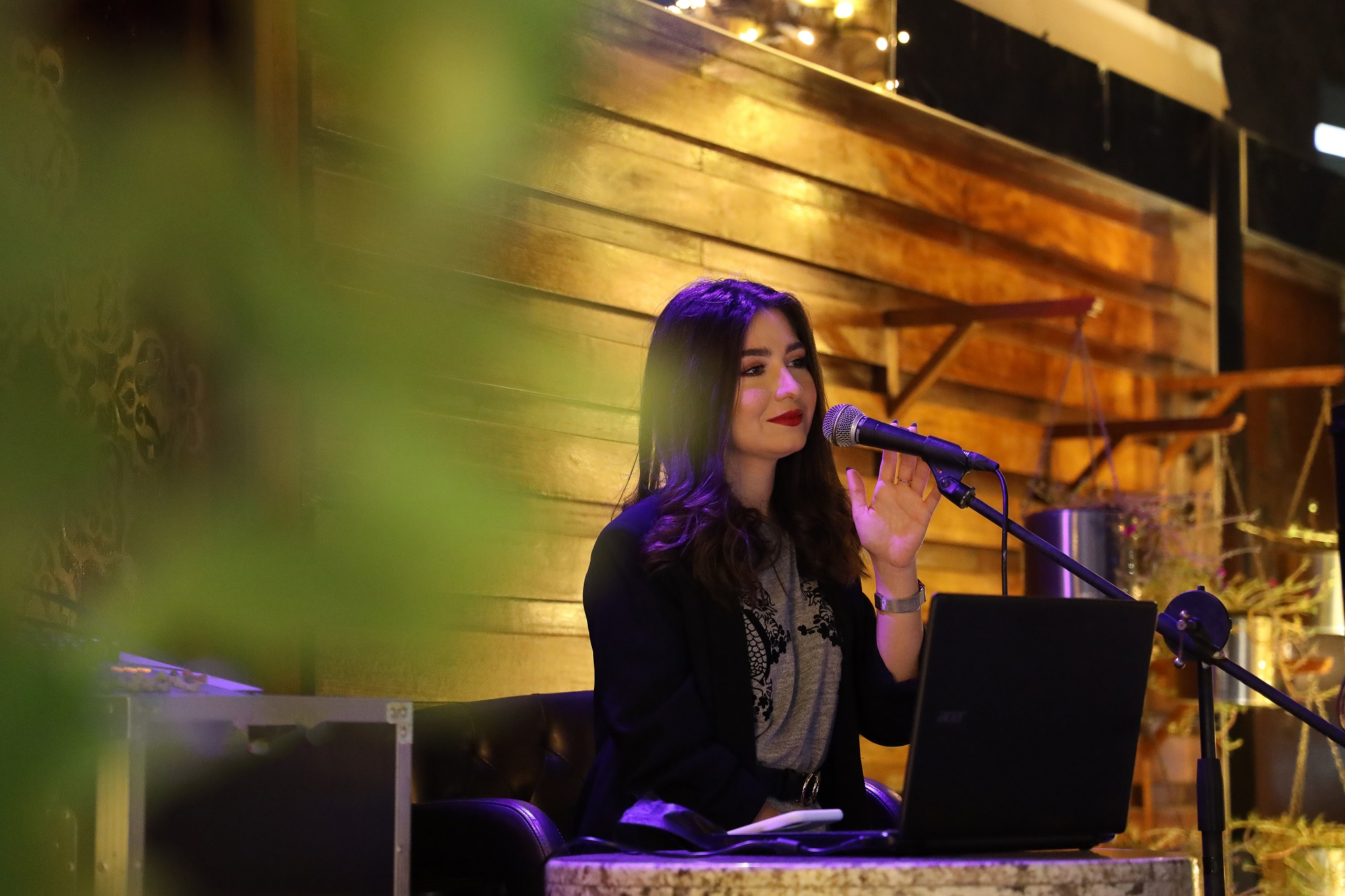 المغنية الموهوبة بيرلا فرحات