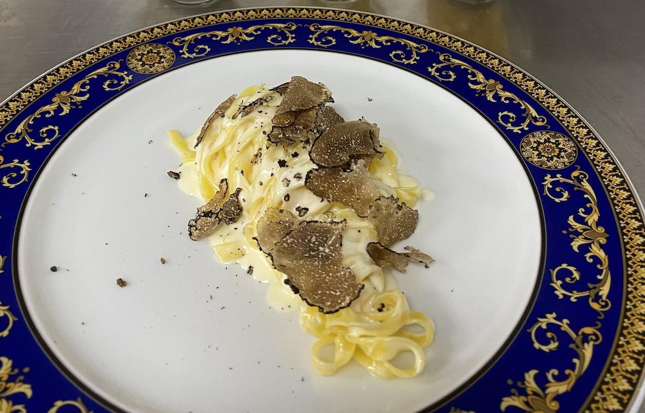 Guancia di Manzo con Patate e Piselli