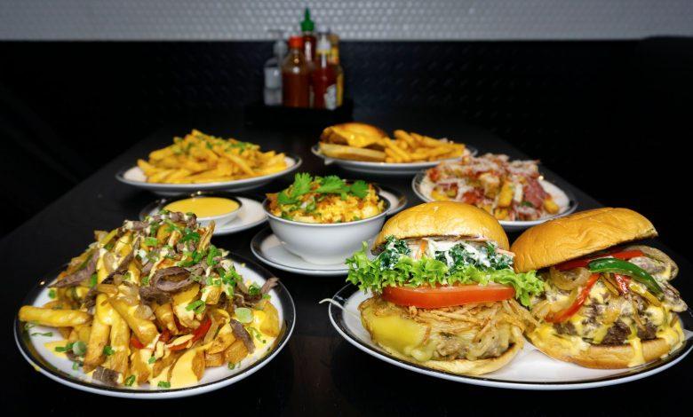 مطعم بلاك تاب