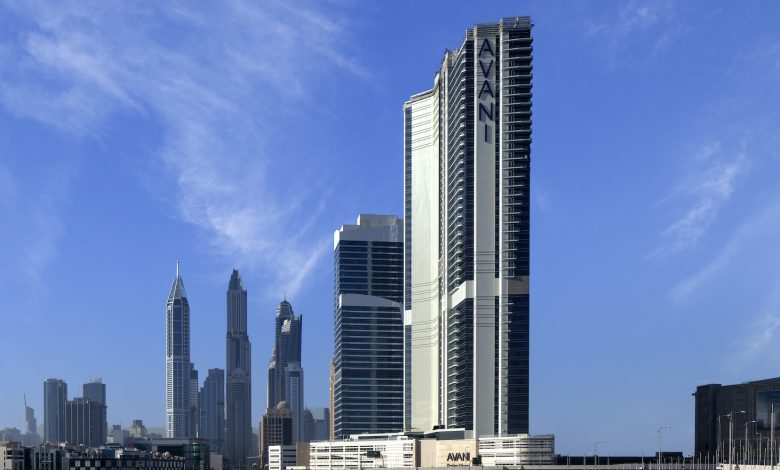 فندق وأجنحة أڤاني بالم ڤيو دبي تطلق باقة إقامة مميزة للأزواج والعائلات