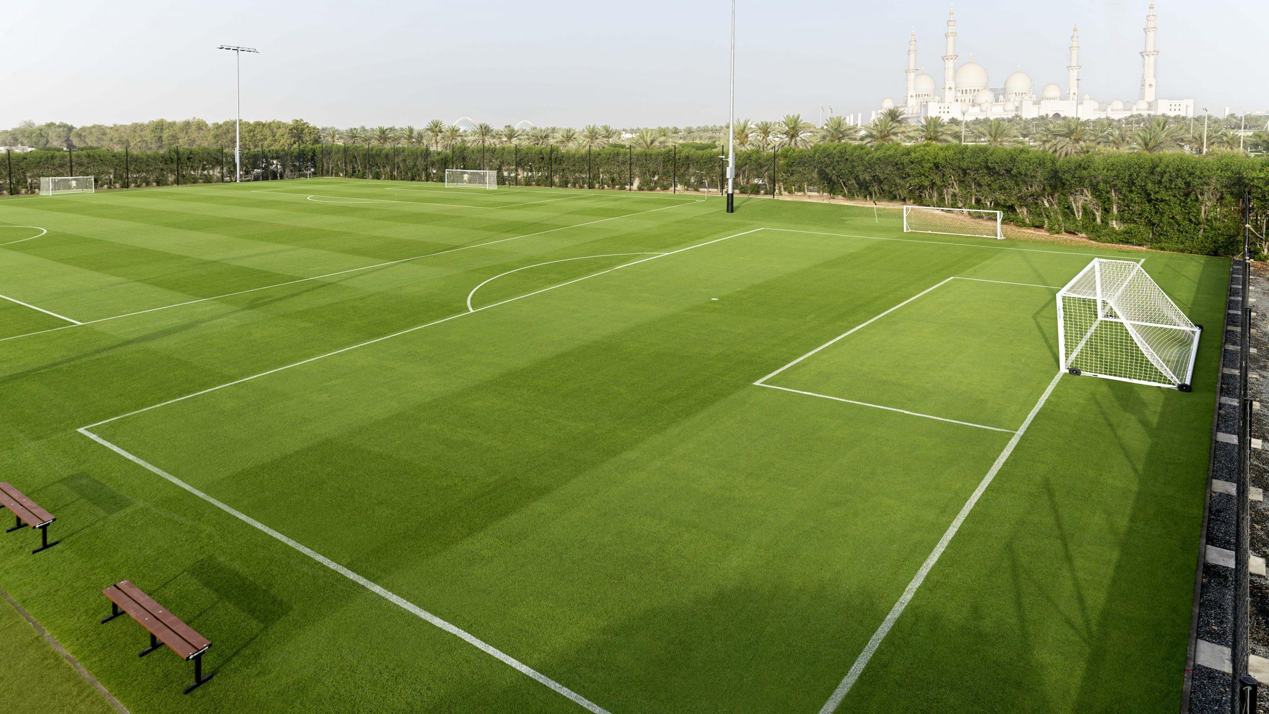 ملعبٍ جديد لكرة القدم