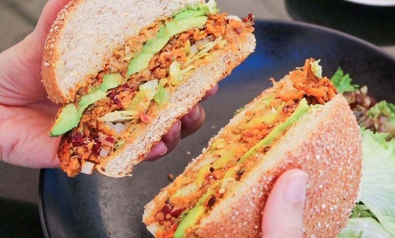 Mrs Vegan Burger – PAUL-min