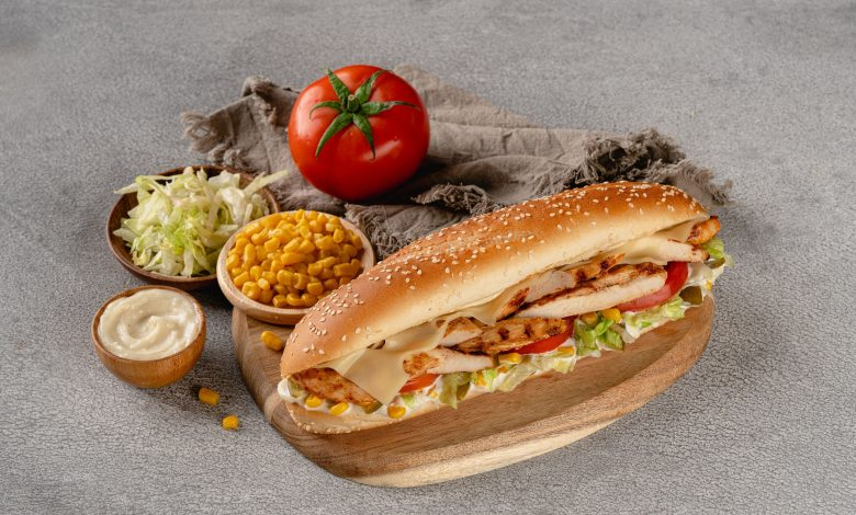 مطعم ملك الطاووق يوفر أطباق جديدة بمناسبة موسم الصيف 2021