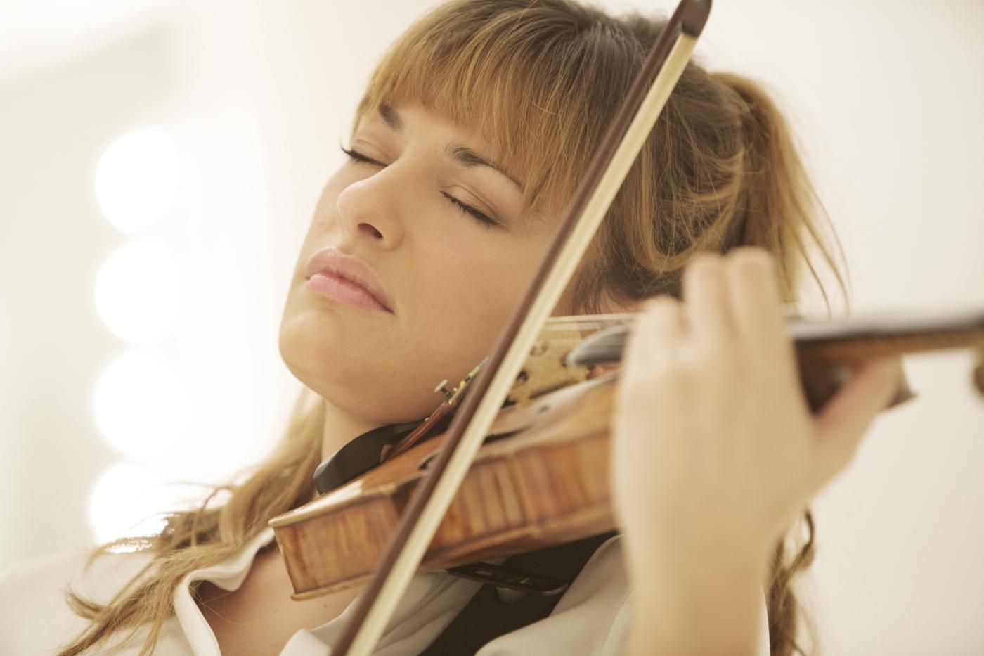 فعالية حكاية الكمان