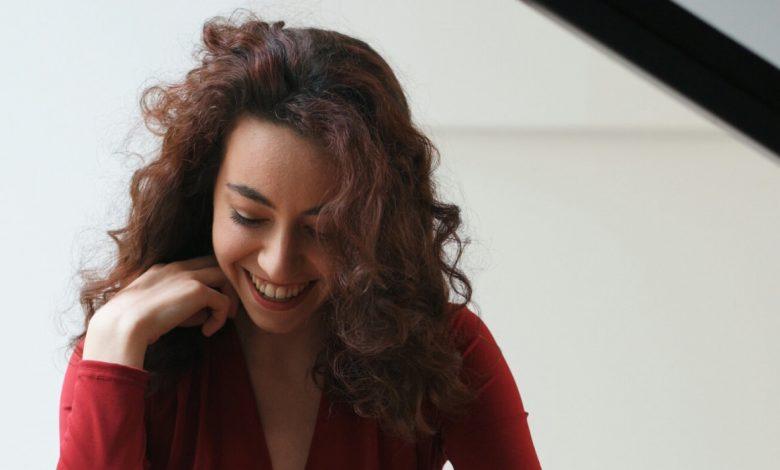 حفل عازفة البيانو الكندية أليس بورلا في دبي خلال أكتوبر 2021
